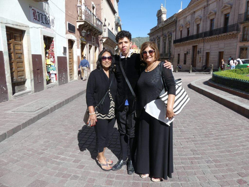 guanajuato-scenes_-with-local-student-jesters-and-guides_-dressed-in-period-costumes