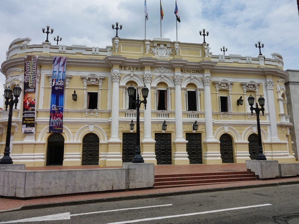 Teatro Municipal, opposite the Cultural Center