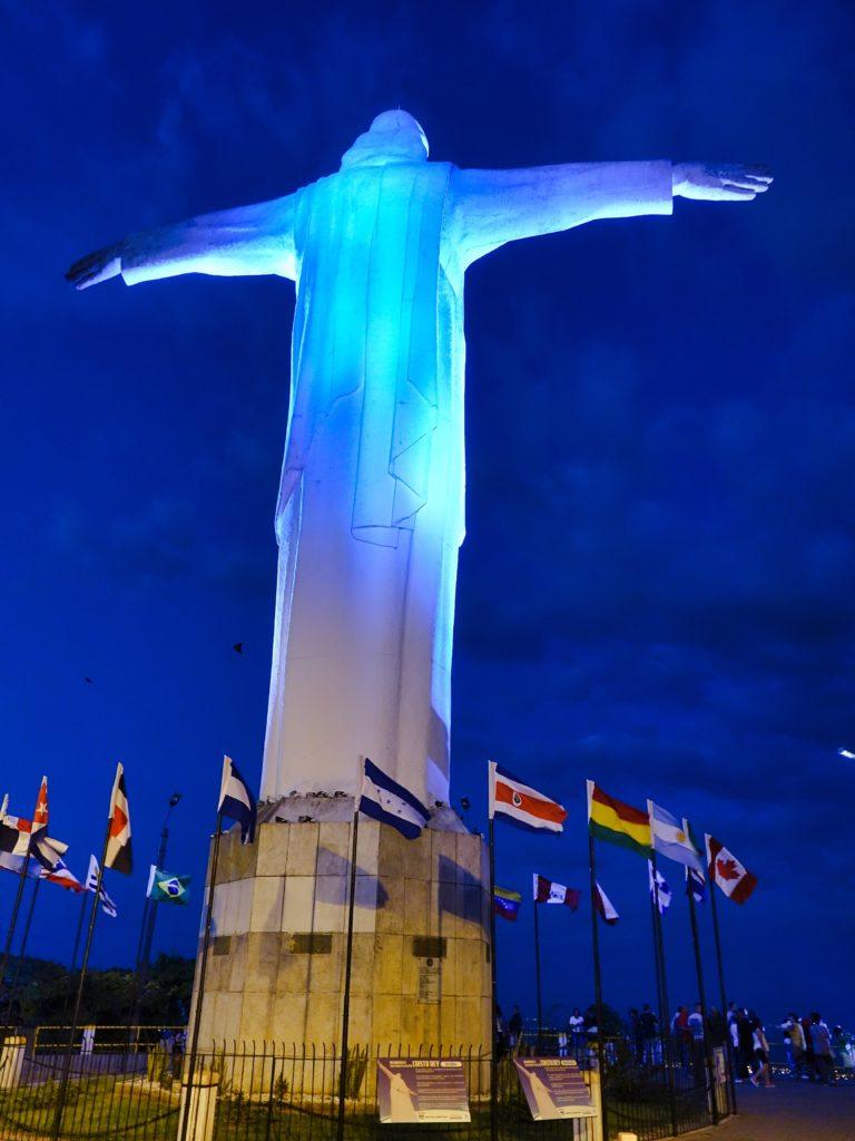 Christo Rey statue